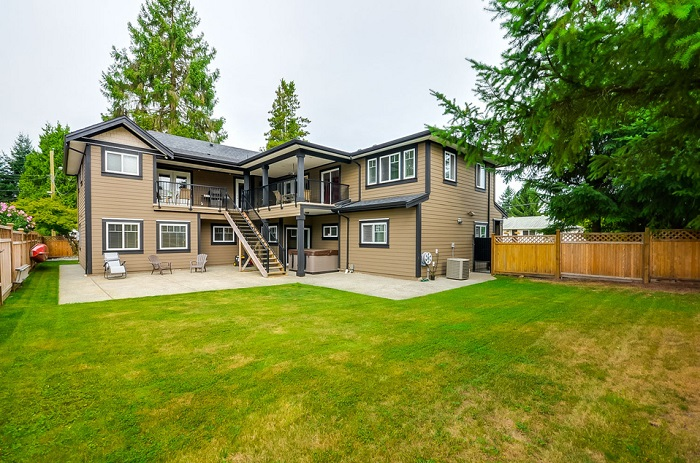 1618 Balmoral Ave-ext-rear