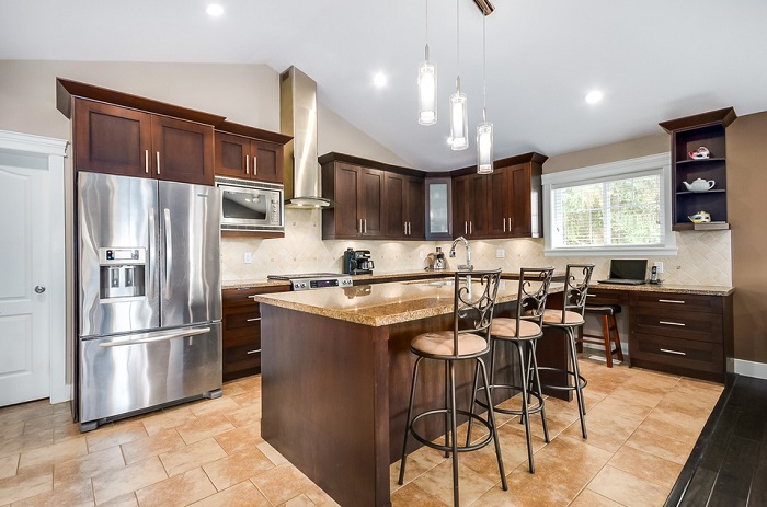 1618 Balmoral Ave-kitchen