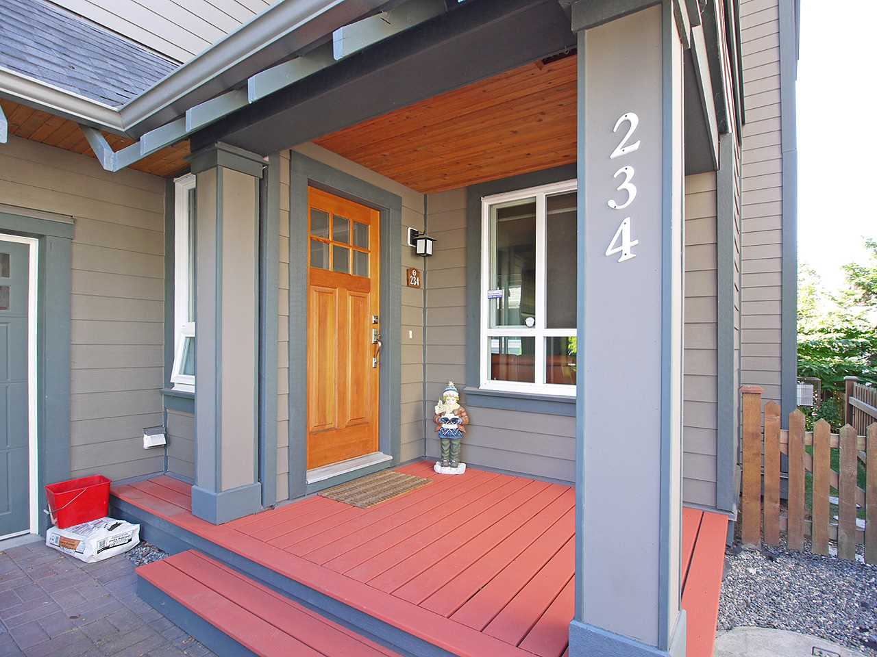 234 Holly Ave, New Westminster