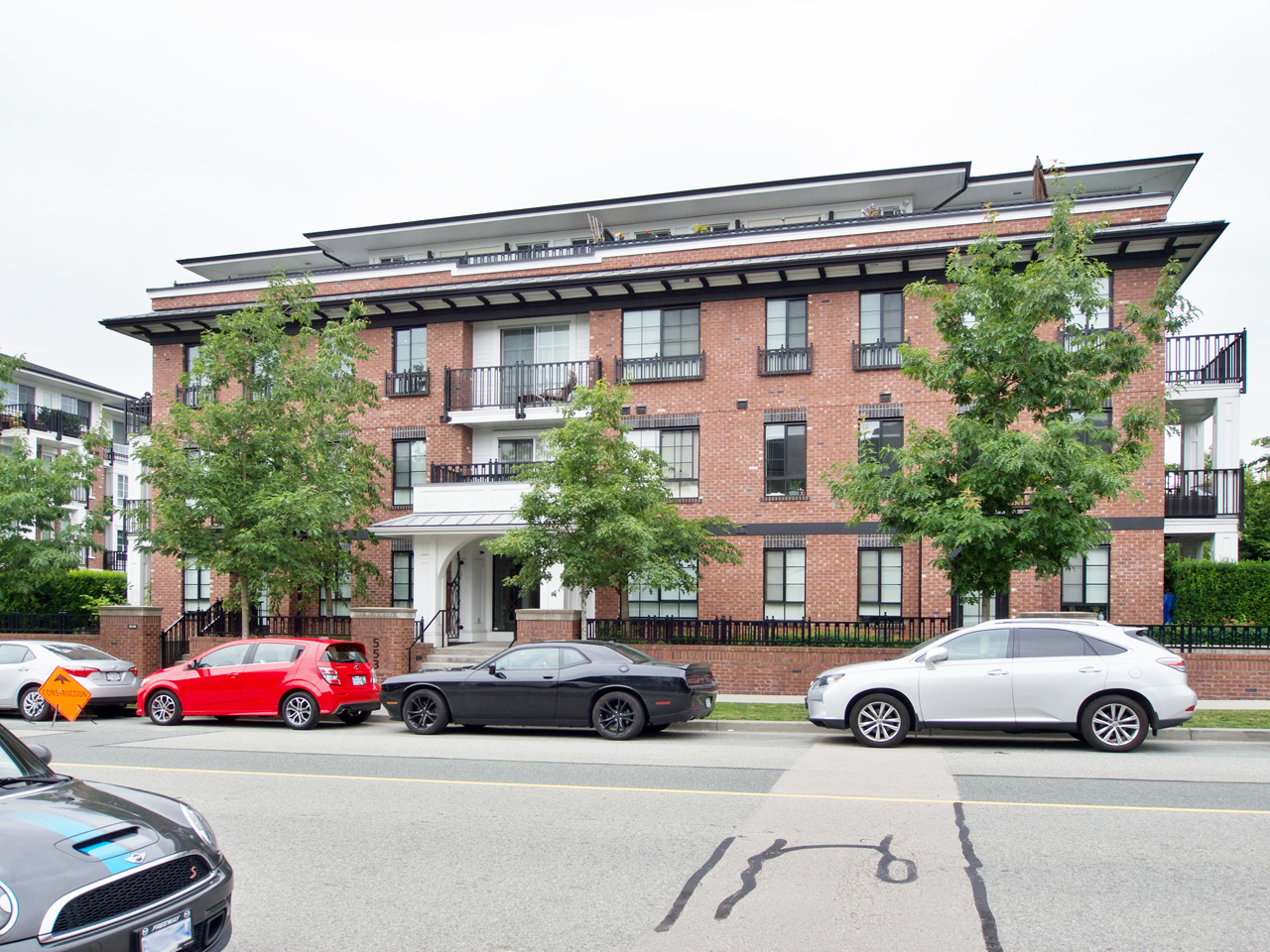 312 – 553 Foster Ave, Coquitlam