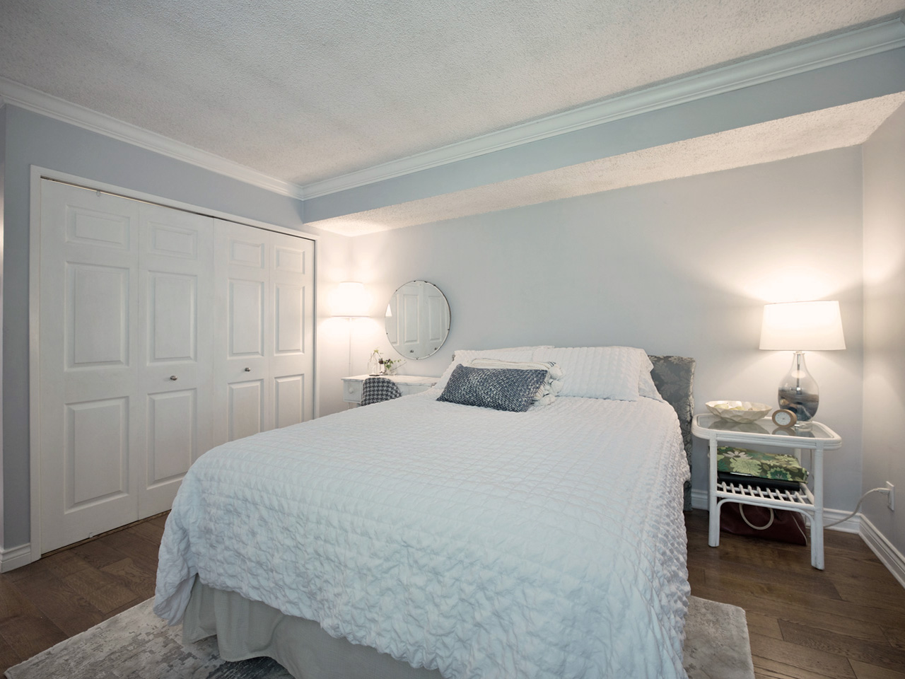 1351_w_8th-bed-2